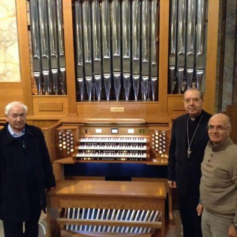 pompei-con-vescovo-e-direttore-coro